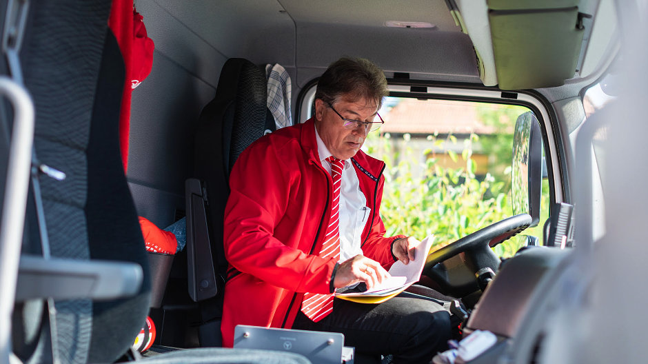 Driving and consulting: Jürgen enjoys the variety.