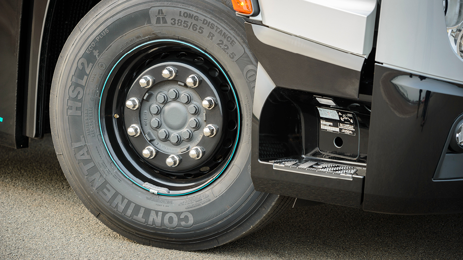 De actros silverstar edition uitgelicht roadstars for Mercedes benz silver star