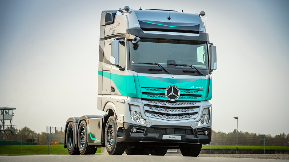 Mercedes Benz Star Logo >> De Actros SilverStar Edition uitgelicht. - RoadStars