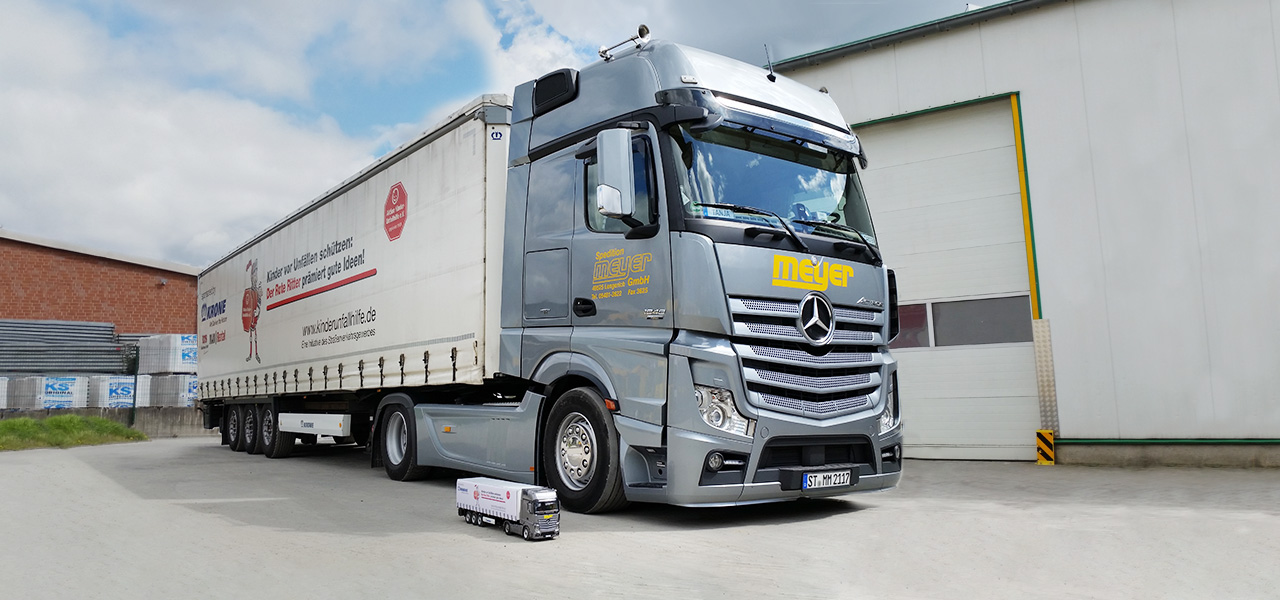 RoadStars presents: Carsten Meyer and his Actros 1848.