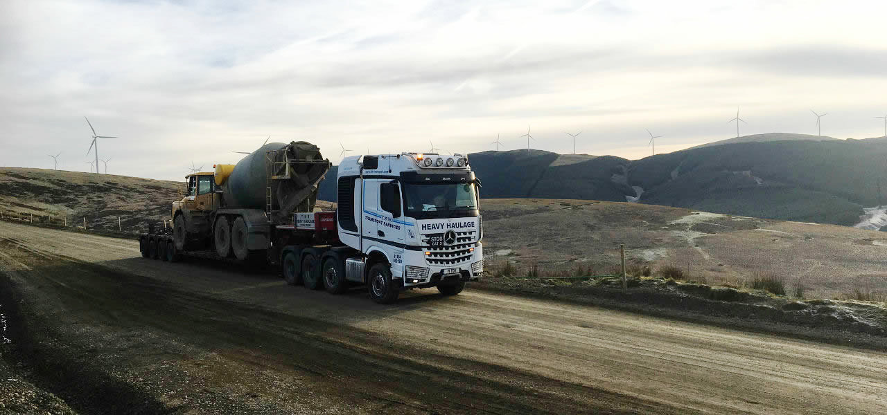 RoadStars presents: John Whitworth and his Arocs up to 250 tonnes.