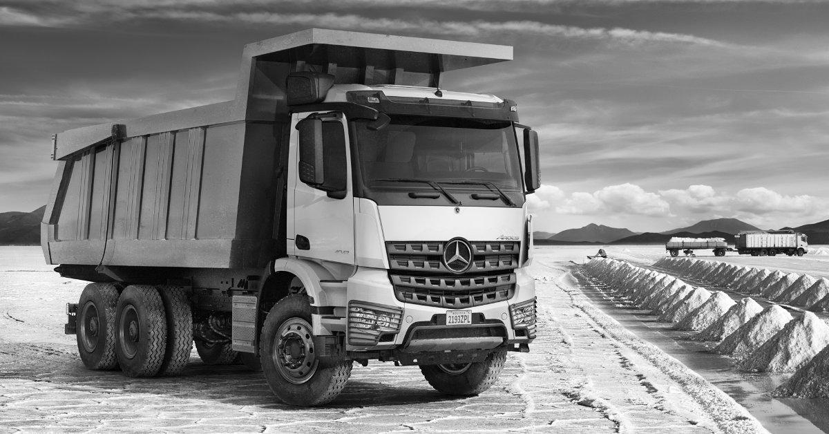 mercedes benz trucks kalender 2019 elements das februar. Black Bedroom Furniture Sets. Home Design Ideas