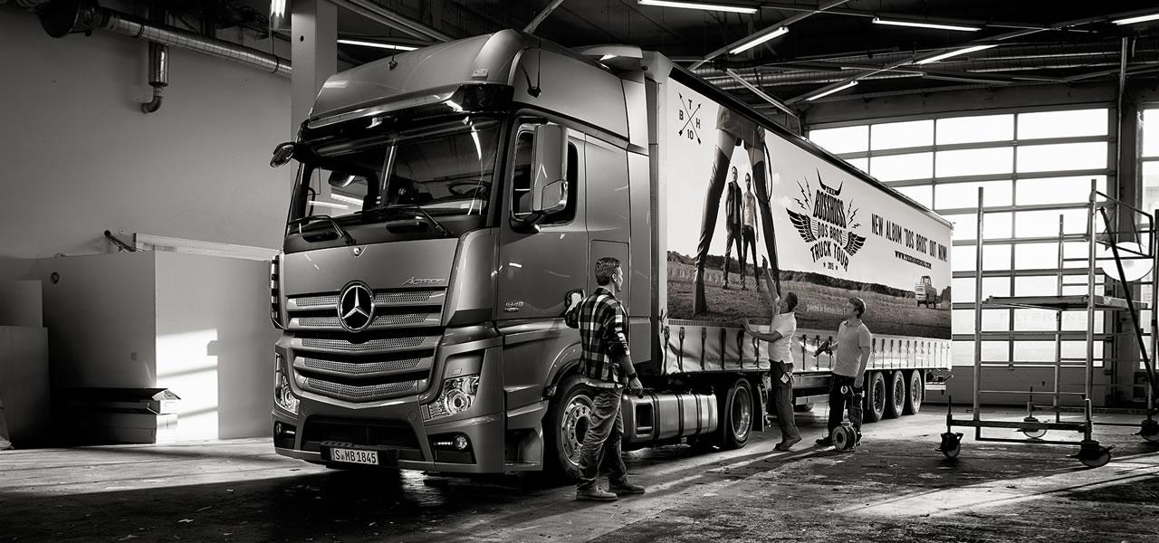 die truck tour mit the bosshoss roadstars. Black Bedroom Furniture Sets. Home Design Ideas