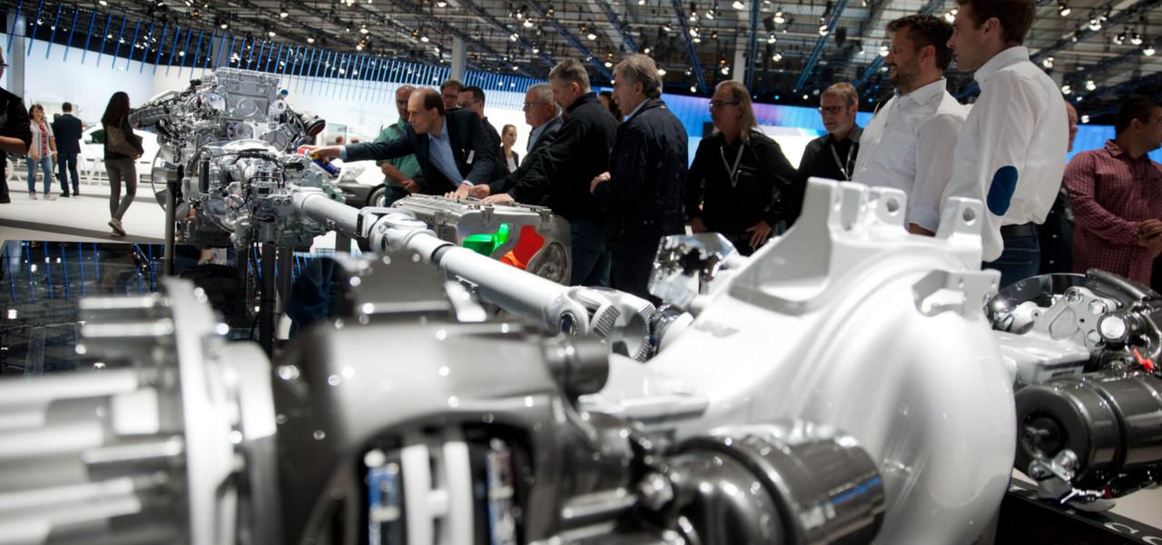 Iaa focus is on efficiency roadstars for Comercial mercedes benz