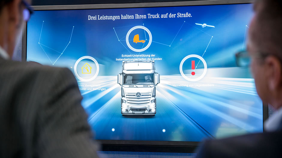 Roadefficiency a magnet for visitors roadstars for Mercedes benz customer support