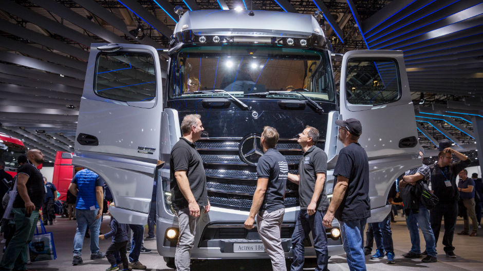 A fascination for trucks – the RoadStars family at the Actros Edition 1 special model.