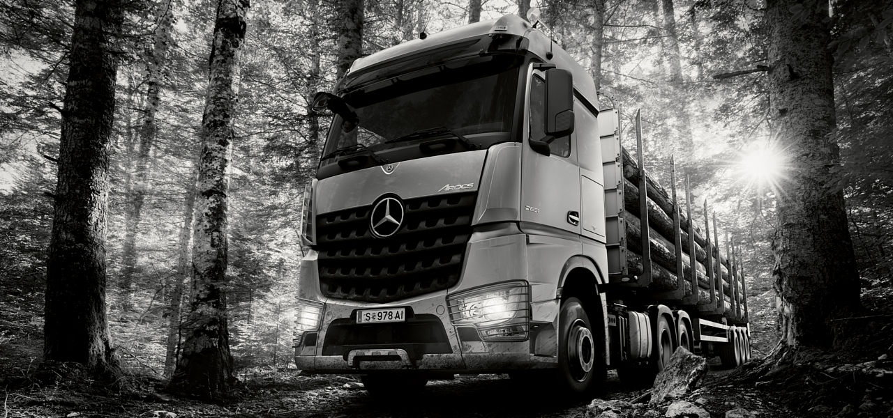 International taskforces le calendrier camions for International mercedes benz