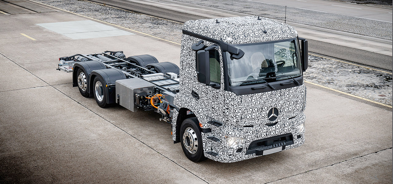 Mercedes benz eactros roadstars for Mercedes benz classic magazine