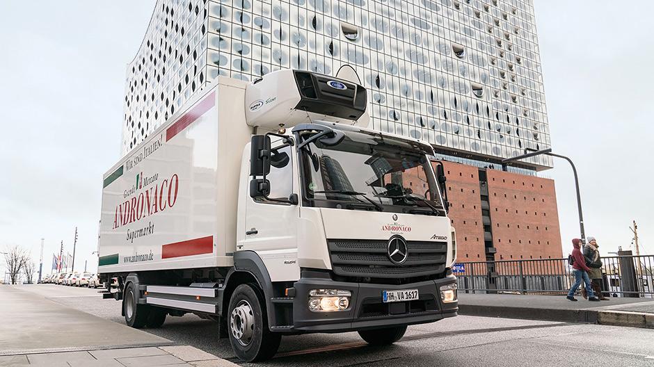 sale retailer 94348 f64a5 När han arbetar för familjeföretaget Andronaco i Hamburg förser Hans-Jürgen  Grygo pizzerior och italienska restauranger med färska ingredienser.