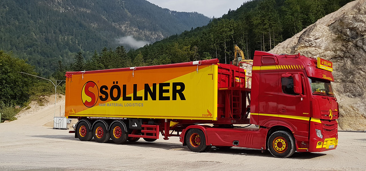 More colour! Christian Söllner's Actros 1853.