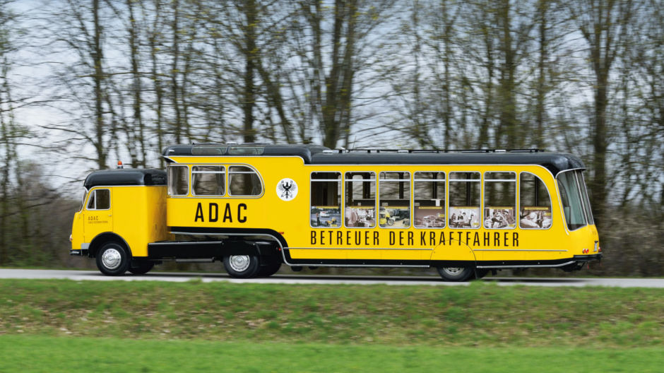 vorzeigest ck der adac betreuungswagen von 1962 roadstars. Black Bedroom Furniture Sets. Home Design Ideas