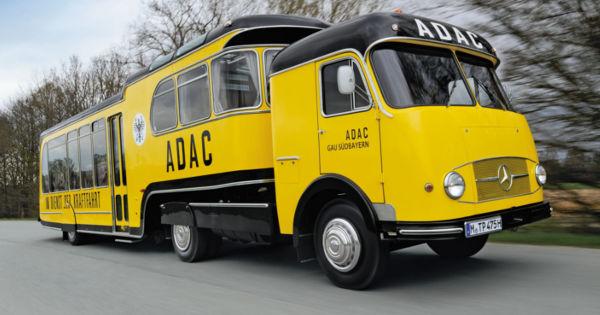 vorzeigest ck der adac betreuungswagen von 1962 roadstars. Black Bedroom Furniture Sets. Home Design Ideas