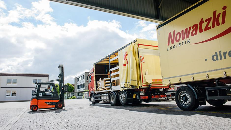 Nowatzki Logistik: special freight transport with the Actros - RoadStars