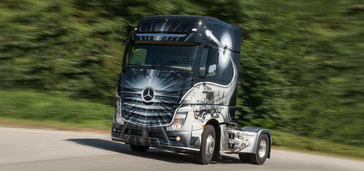 Airbrush truck historische einblicke am actros die for Mercedes benz magazine