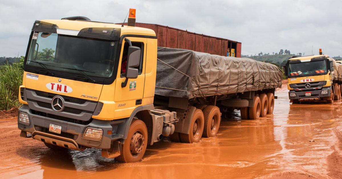 Service camp het mercedes benz team in nigeria roadstars for Mercedes benz roadside service