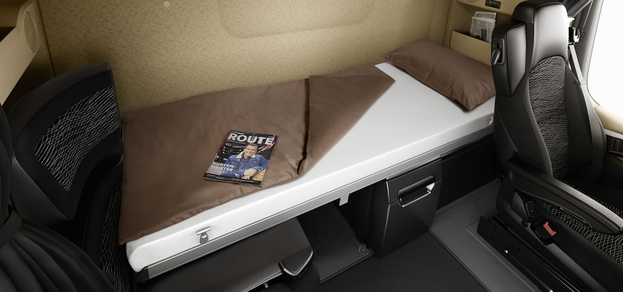 living and sleeping comfort roadstars. Black Bedroom Furniture Sets. Home Design Ideas