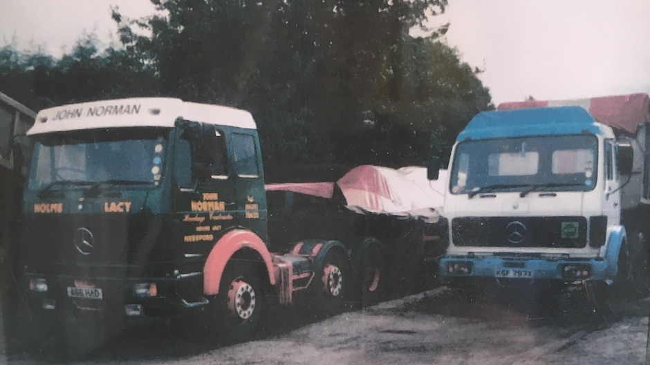 Q a with classic truck owner john norman roadstars for Old mercedes benz trucks