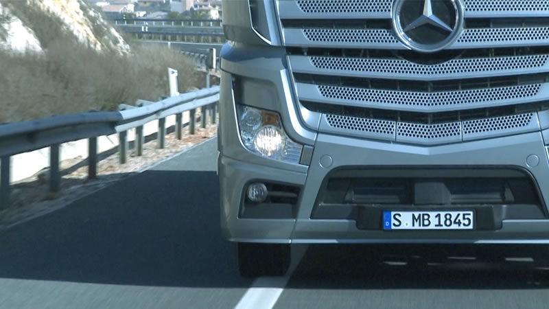 Vid os techniques le nouvel actros roadstars for Mercedes benz attention assist