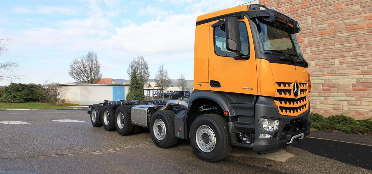 Mercedes benz custom tailored trucks entretien avec for Mercedes benz interview questions